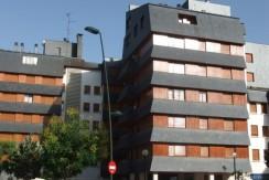 Edificio Anayet dos habitaciones centro de Jaca